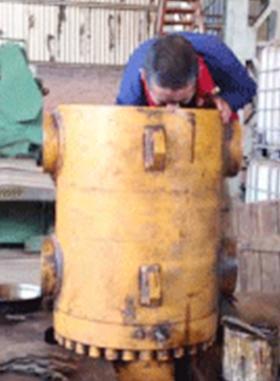 水泥立磨液壓缸修復